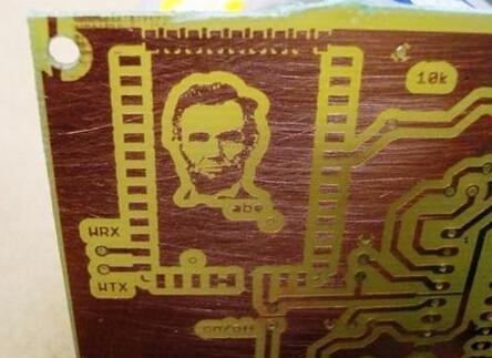 在电路板上放林肯肖像也行?